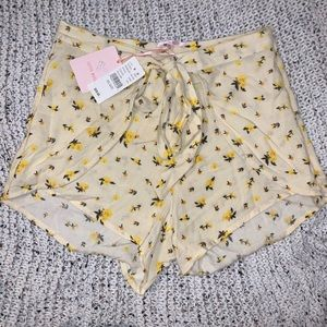 NWT Pacsun Yellow Floral Tie Shorts